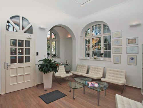 ffnungszeiten von sthetische plastische chirurgie m nchen. Black Bedroom Furniture Sets. Home Design Ideas