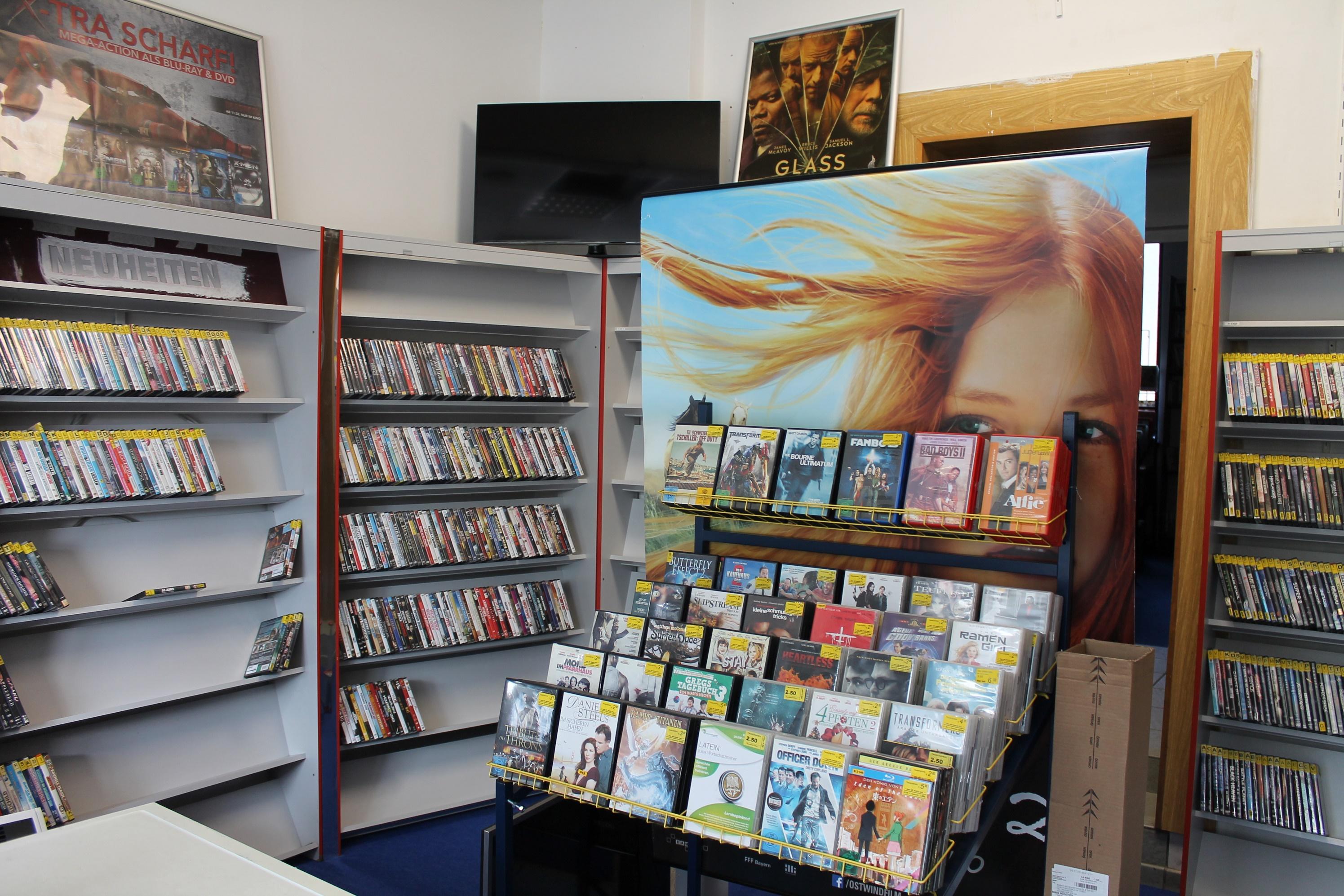 öffnungszeiten Von Videothek Dvd Xxxl Discount München Ost